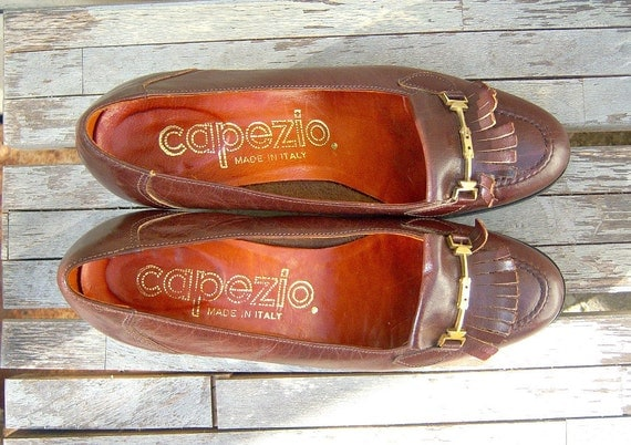 70s CAPEZIO pumps / brown leather oxfords / fringe gold buckle libraian chic shoes 6 Italy