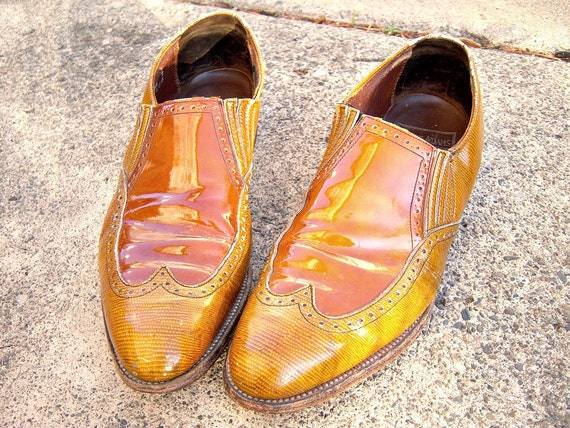 Vintage candy caramel mens loafers / Stacy Adams / size 9.5