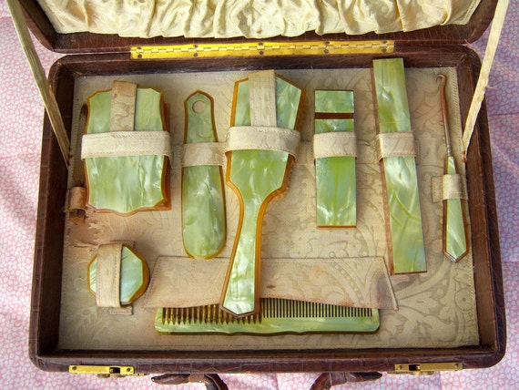 Antique boudoir set / Alligator leather train case / Victorian vanity set / 1910-1920 celuloid traveling case /beveled mirror / celery green