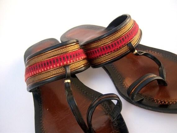 Vintage leather sandals // tooled leather sandals // 70s Tribal Moroccan flip flops