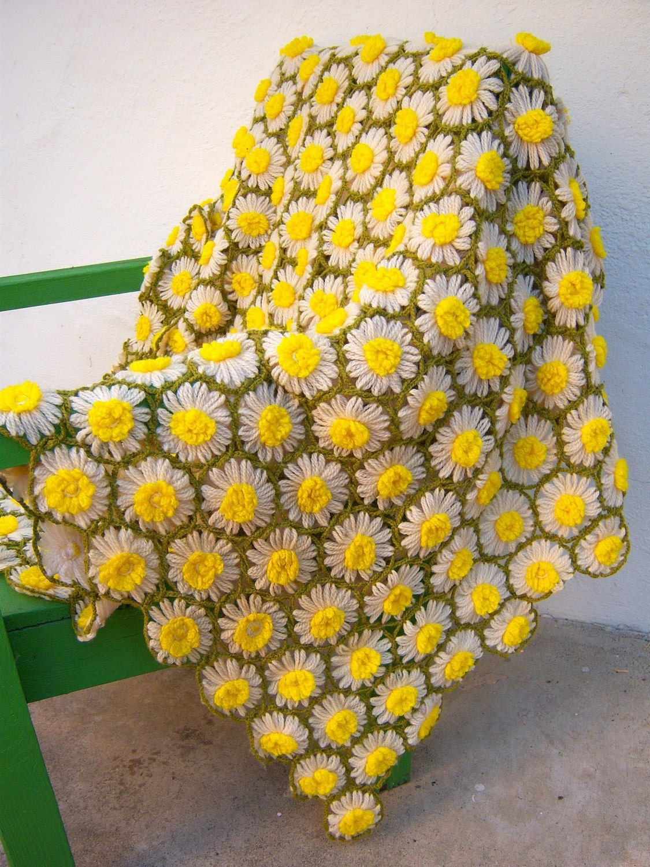 Crochet Daisy Flower Blanket Pattern : Daisy Chain /vintage crochet afghan blanket
