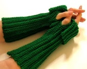 Wrist Warmers Fingerless Gloves Crochet Pattern PDF    EASY - permission to sell what you make