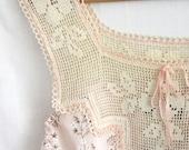 Camisole Tank Hand Embroidery Linen Vintage Crochet Yoke Flower Garden tagt team