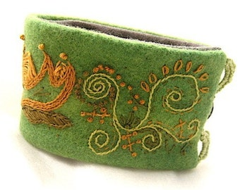 Wool Fabric Textile Cuff Bracelet Emerald Green Hand-Embroidery Textile Handmade Embroidered Jacobean Lotus Flower