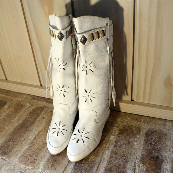 White Leather Moccasin Boots Sz 6 ON SALE