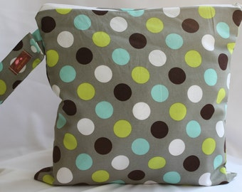 Wet Bag-Large Waterproof Wet Bag  12.5 x 12.5  Snap Handle  Gray Dot