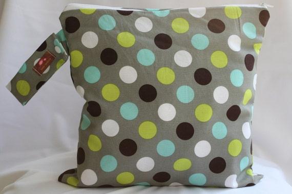 Wet Bag, Cloth Diaper Bag, Beach Bag, Gym Bag, Wet Dry Bag, Wetbag for Cloth Diapers,  Gray Dot
