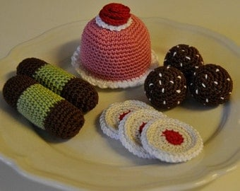 Instant Download - PDF Crochet Pattern - Swedish Cakes and Cookies 1