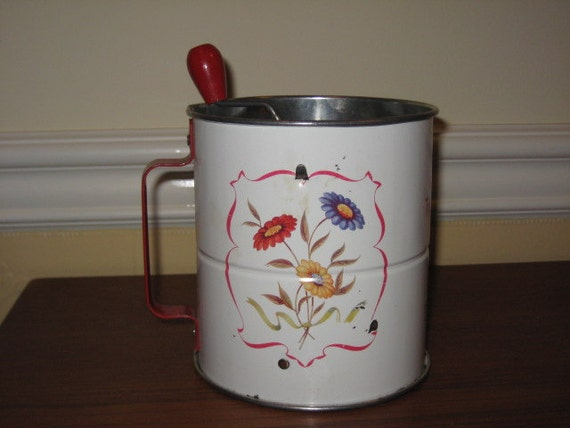 Vintage Androck Triple Sifter with Daisies
