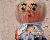 Grandma Pin Cushion\/Sewing Kit