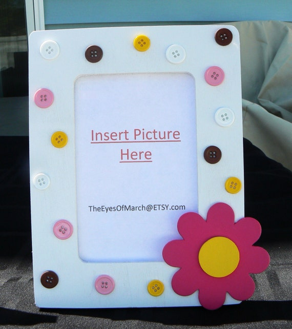 flower button picture frame baby shower or by theeyesofmarch