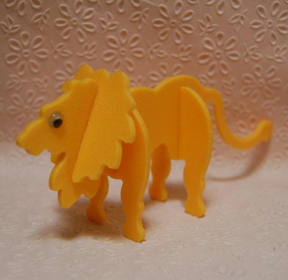 SALE:  1970s Vintage Child's Mod Plastic Lion Figurine Puzzle