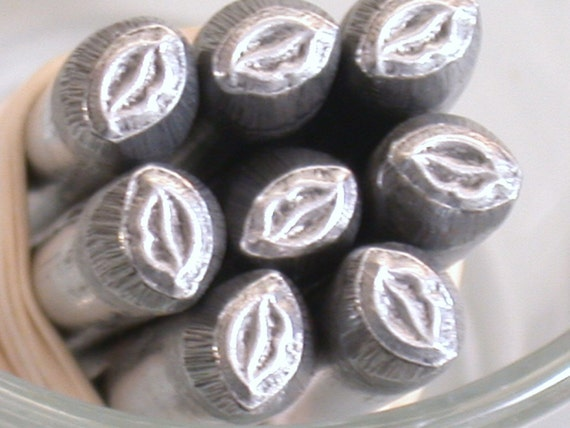 luscious Lips 5.75mm 3.50mm design stamp for metal stamping on jewelry