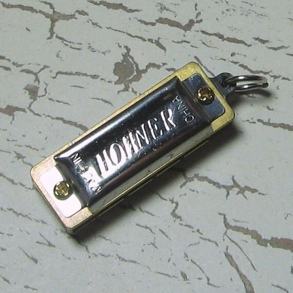 Playable Tiny Harmonica Pendant - ZNE