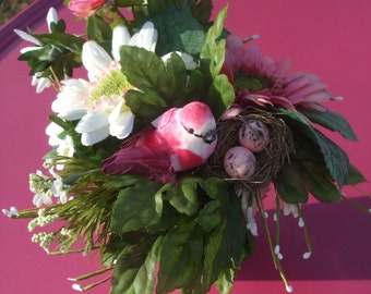 Gerber Daisies Floral Arrangement with Bird and Nest - Printemps Medium