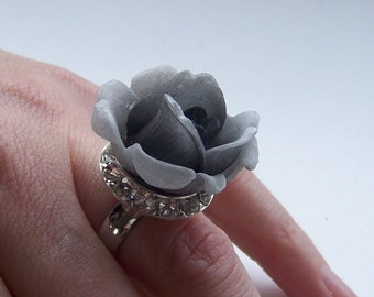 Unique Cocktail Party Ring silverplate Swarovski crystal setting adjustable size grey rose