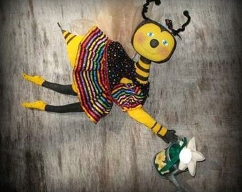 Primitive PATTERN Bumble Bee DOLL and FLOWER, Ms. Buzzbee Raggedydays Original