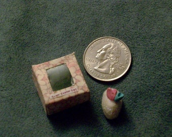 tiny cake box with sugar egg