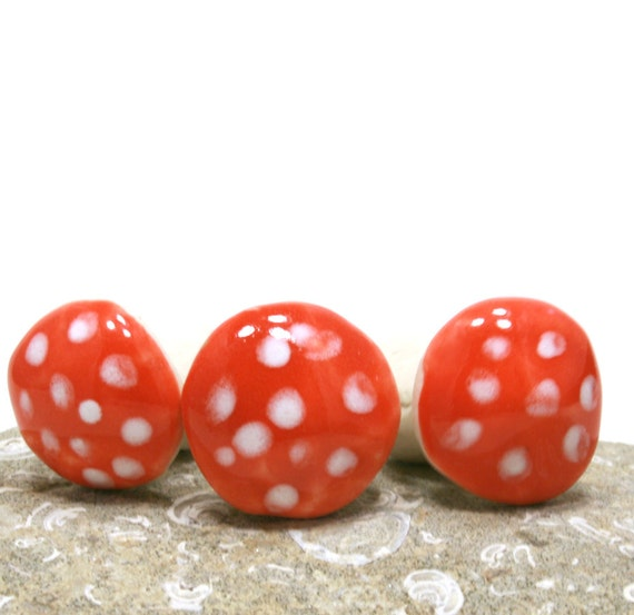 mushroom miniatures - red with spots toadstools - size medium -  set of three
