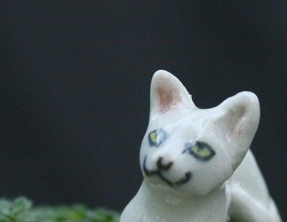 cat figurine - white kitten -  porcelain animal figurine
