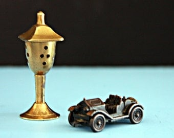 Vintage Minature Set of Brass Lamp and 1913 Stutz Car No. 042
