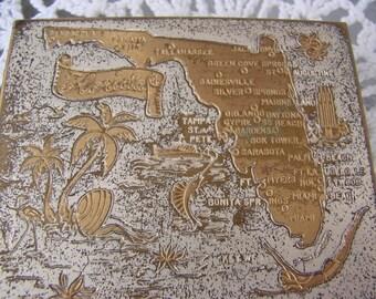 Vintage Goldtone Souvenir Florida Compact