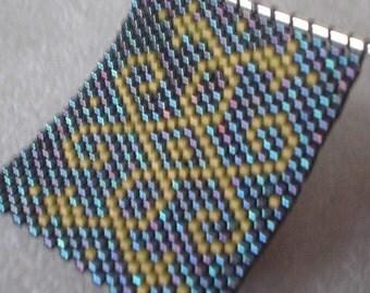 Scroll Design Peyote Stitch Beaded Pin