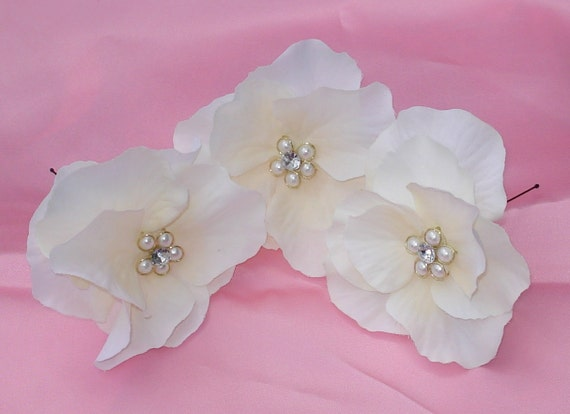 Ivory Hydrangea Hairpins with Pearl Rhinestone Flower Centers (3 )