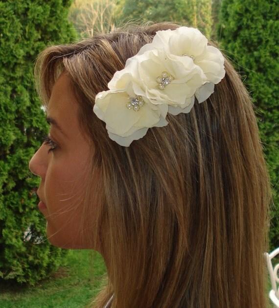Ivory Hydrangea Hair Comb Fascinator with Pearl Rhinestone Centers