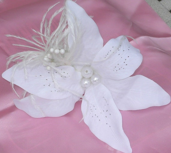 White Tiger Lily Fascinator Hair Clip