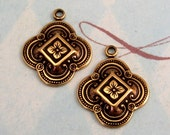 Clover Charm, Antique Gold, Trinity Brass, 2 Pc. AG212-2