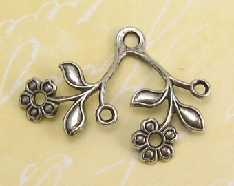 Flower Connector, Antique Silver, Trinity Brass, 4 Pc. AS2