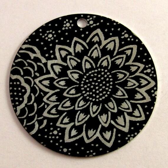 Dahlia Flower Lillypilly Aluminum Disk Pendant LP07