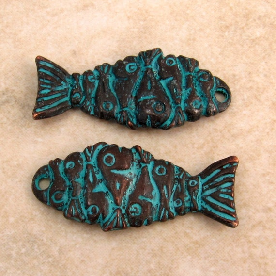 Mykonos Casting Fish Pendant, Green Patina 2 Pieces M36