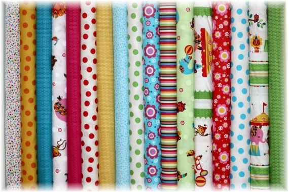 Set of Fat Quarters Rainbow Zoo - Red Rooster Fabric