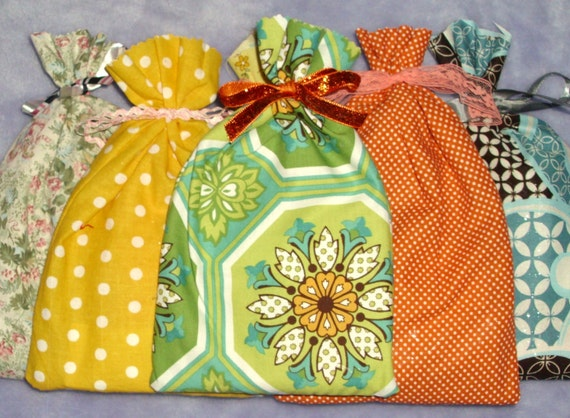 Fabric scrap pack 24 pieces Pay It Forward- Limited time only