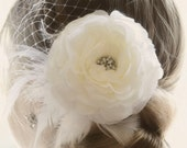 Wedding hair accessory Hair Flower Vintage Wedding dress fascinator Ivory Head Piece, Ivory Wedding hair flower Feather Fascinator