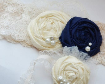wedding garter /  navy blue garter / something blue / garter / lace garter / vintage inspired wedding / ivory garter