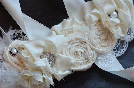 Bridal Sash /Vintage Wedding Dress Sash Belt/Ivory Flower Wedding Dress Sash Rhinestone Sash, Bridesmaids sash, Vintage Photo
