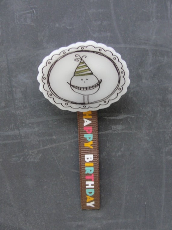 BROOCH. happy birthday. party hat design. shrink plastic with ink drawing by looploft.