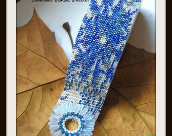 Bead Pattern Snowflake Beaded Bracelet peyote stitch tutorial instructions plus toggle clasp