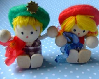 Tiny wooden dolls