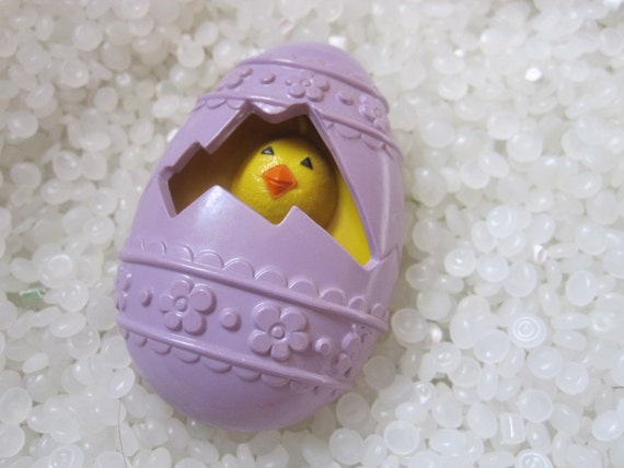 vintage chick in egg Avon pin perfume glace