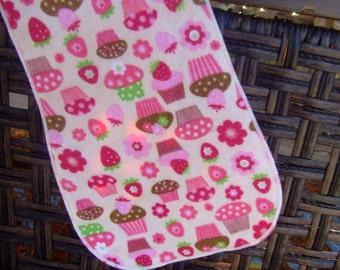 Cupcake Burp Cloth