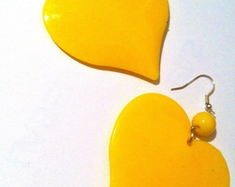 YELLOW HEART SUNSHINE neon bead clean 90s 80s open love lovers post stud oversized earring large big  glam basketball wives enlarged size