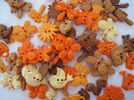 30 pcs of Novelty Button - In The Garden - Brown Orange Beige