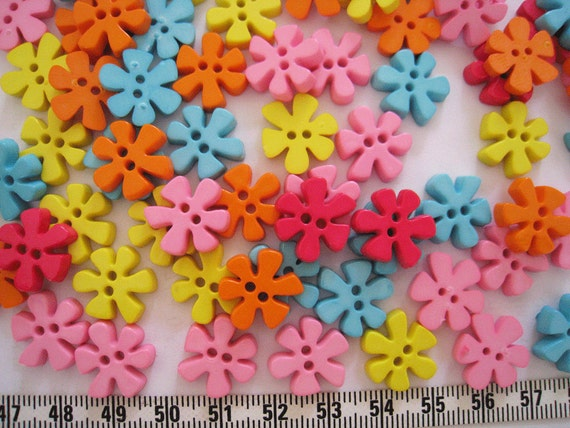 30 pcs of Flower Button - 15mm - Bright
