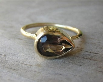 14k Gold and Smoky Sideswept Ring