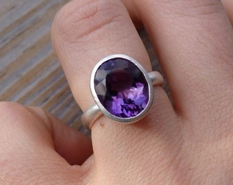 Amethyst Ring, Sterling Silver Ring, Purple Gemstone Solitaire, Oval Cocktail Ring, February Birthstone Jewelry, Statement Ring Silver