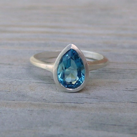 Solitary Pear Ring in London Blue Topaz